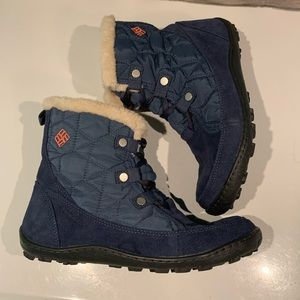 COLUMBIA QUILTED LACE UP SHEARLING BOOTS SIZE 8